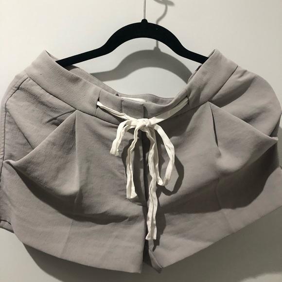 Aritzia Wilfred Exergue Shorts